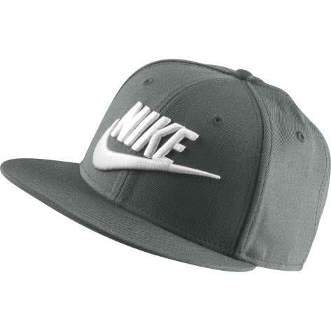 Nike Kappe Futura Nike True 584169-372 Vintage Green/Vintage Green/Black/White | One size
