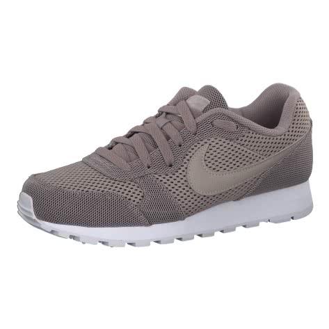 Nike Damen Sneaker MD Runner 2 SE AQ9121