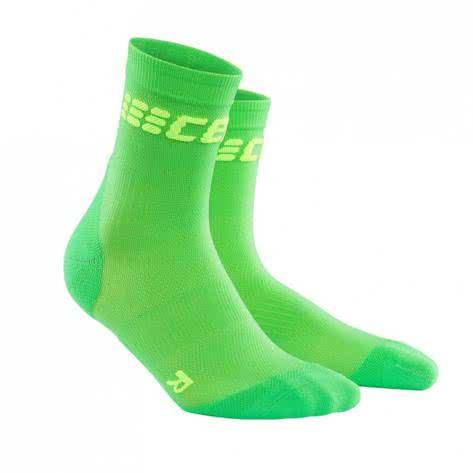 CEP Herren dynamic+ run ultralight short socks WP5BGC 45-47 viper/green | 46-50